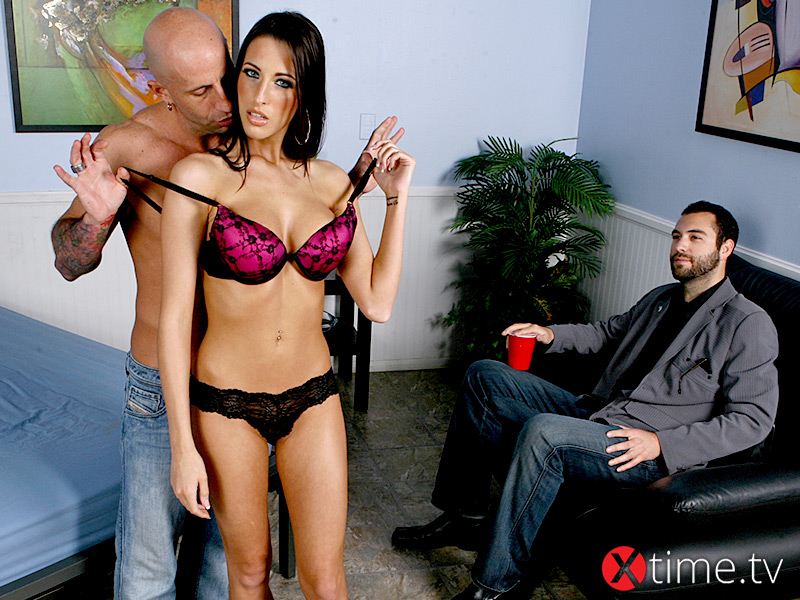 Kourtney Kane: Un Cuckold Bollente